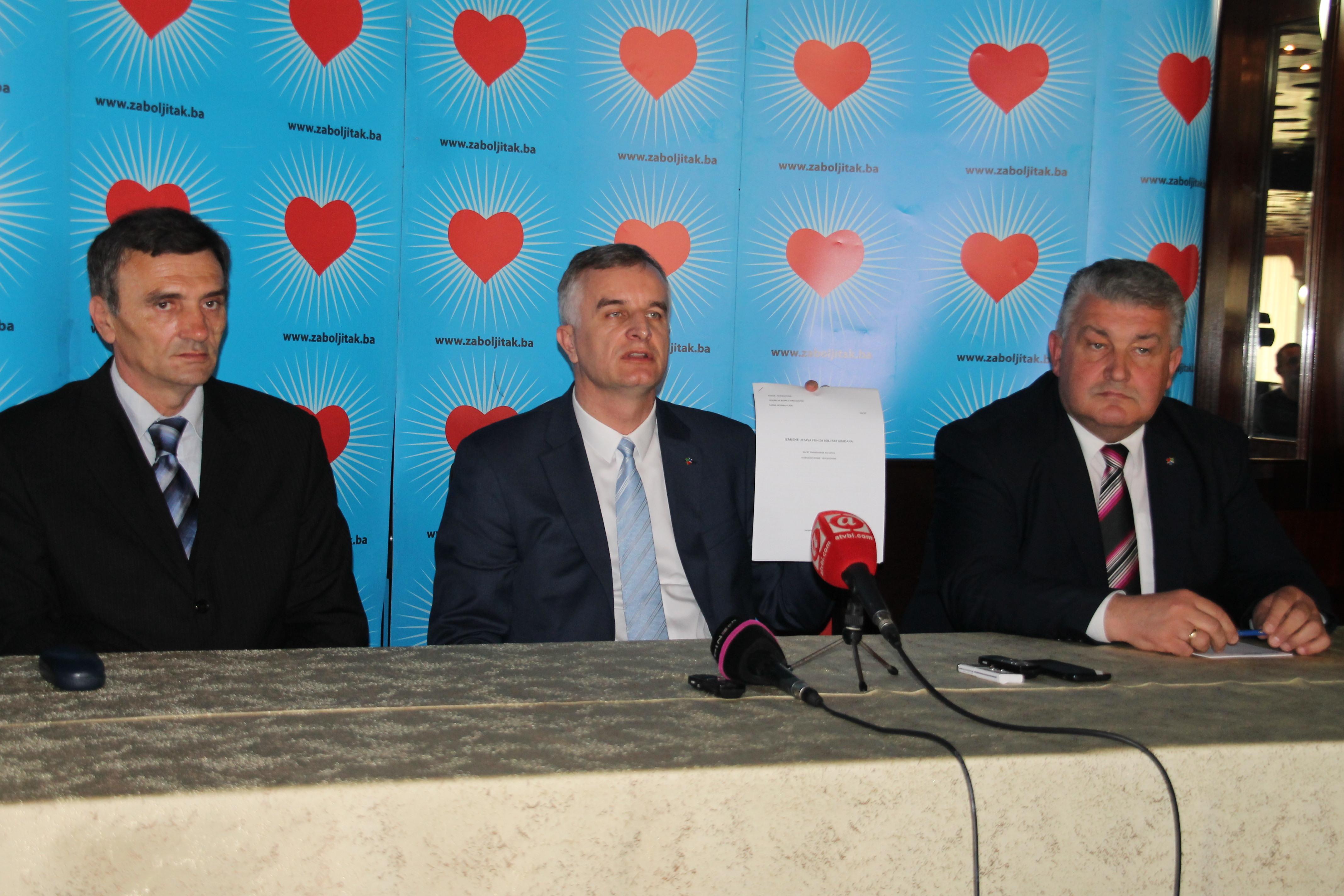25.04.14. Detalj s odrzane press konferencije u Banja Luci
