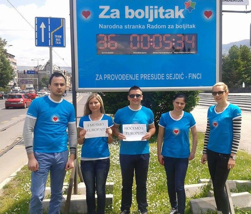 09.05.2014. Mladi za Boljitak ispred semafora